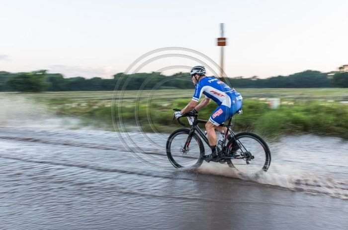Bob blitzes the water. Photo by TBL Photography.