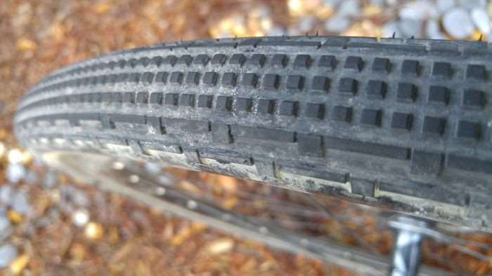 Close-up of the Panaracer Gravelking SK's tread pattern.