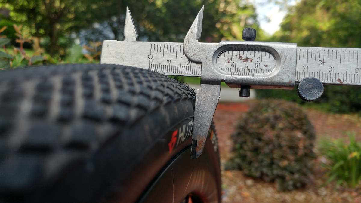 hutchinson overide tire review