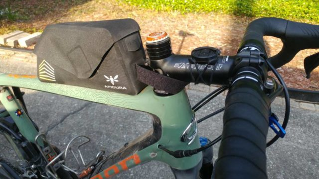 apidura racing bolt-on top tube pack review