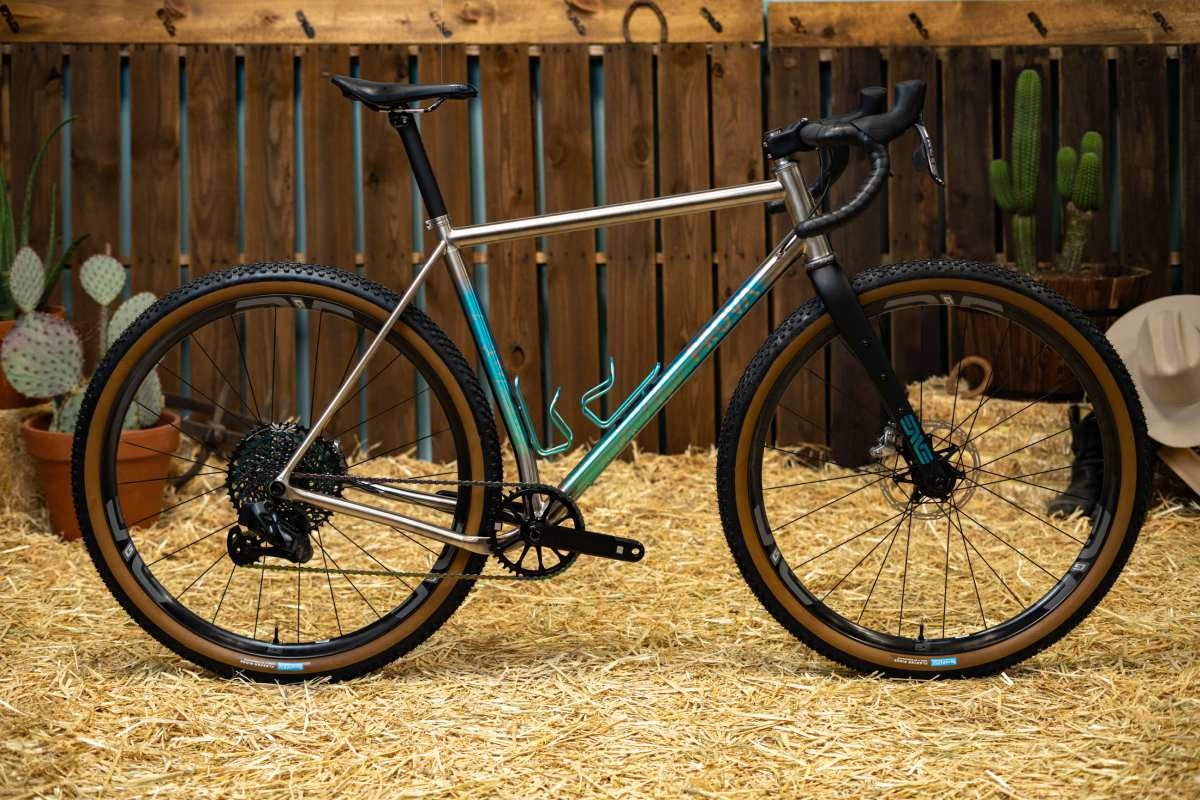 enve builder round-up show 2020 prova cycles