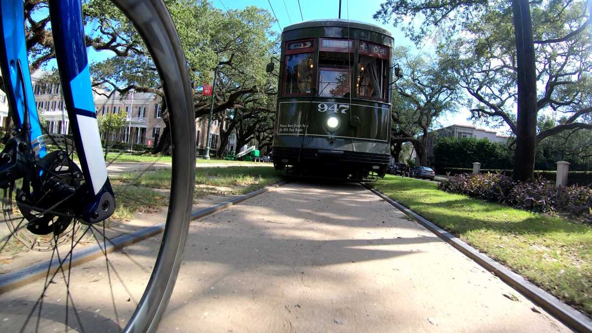 tour new orleans on bicycle