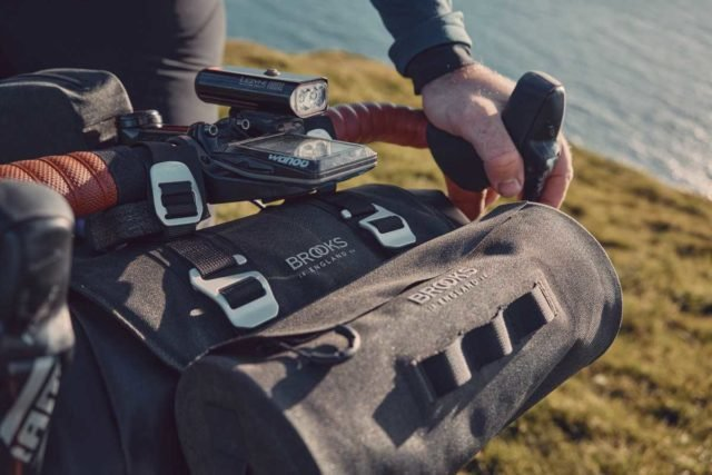 brooks scape travel bags