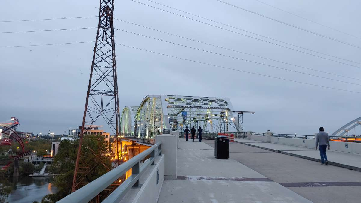 tour nashville tennessee by bicycle
