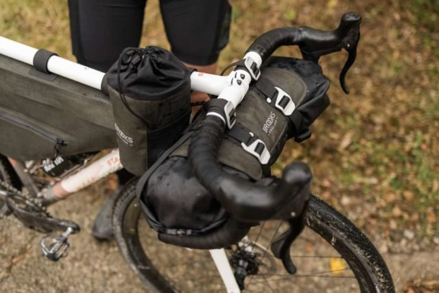 Brooks England Scape Feed Pouch review